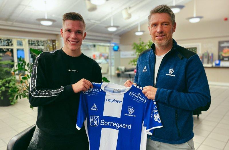 Wichne og sportssjef Thomas Berntsen etter kontrakten var signert.