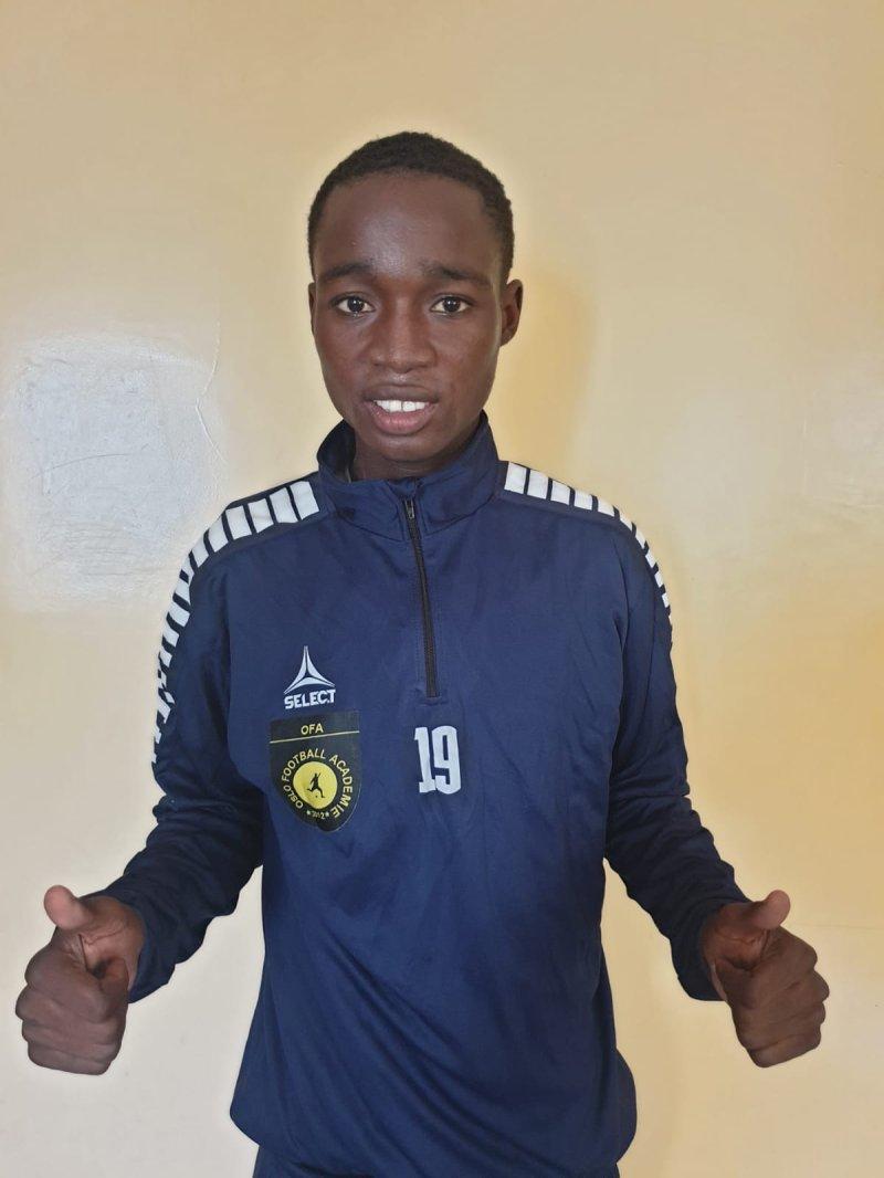 I SENEGAL: Mendy, som blir 19 i november, kan knapt vente på å reise til Sarpsborg.