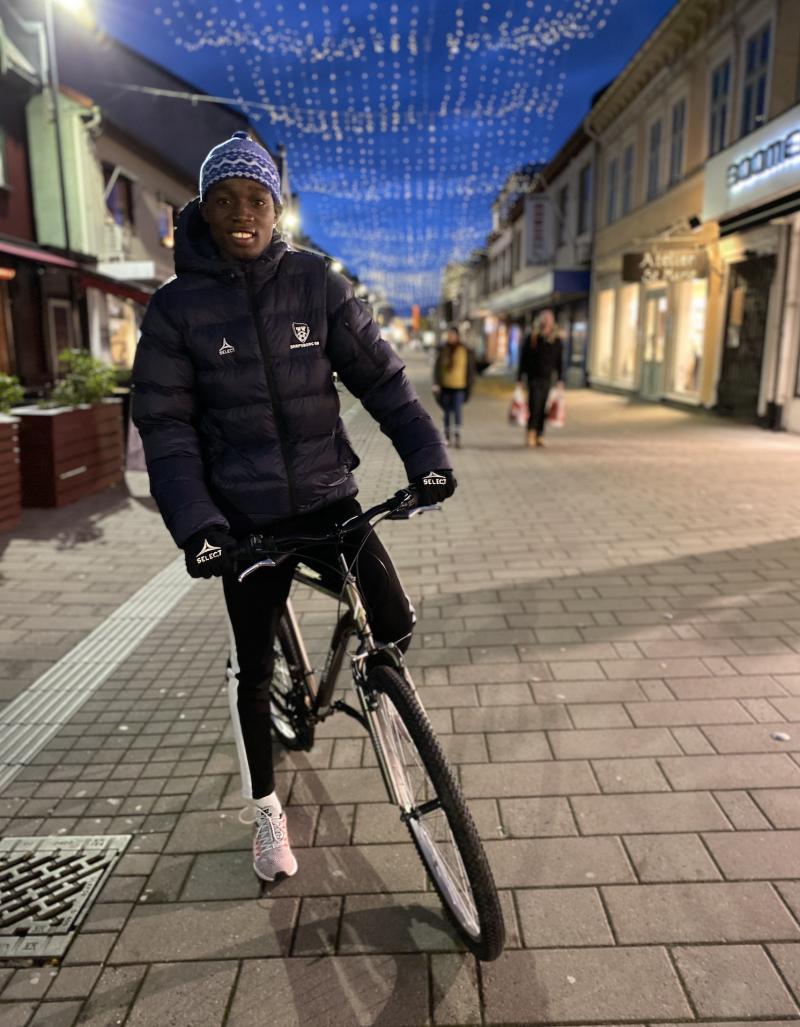 - En utrolig koselig by, sa Mendy om Sarpsborg sentrum.