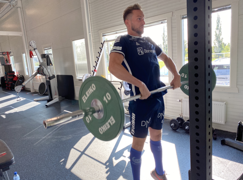 RETT I STYRKEROMMET: Simon Thomas var i gang med trening på sin første dag i Sarpsborg 08.