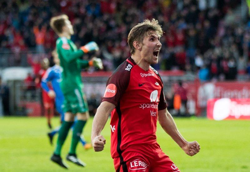 FRA RØDT TIL BLÅTT: Skålevik er klar! (Foto: Berit Roald / NTB scanpix)