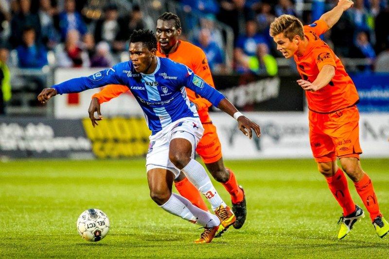VENDEPUNKT: Aaron Samuel rett før han setter inn den avgjørende scoringen mot Haugesund i 2013. (Foto: Thomas Andersen)