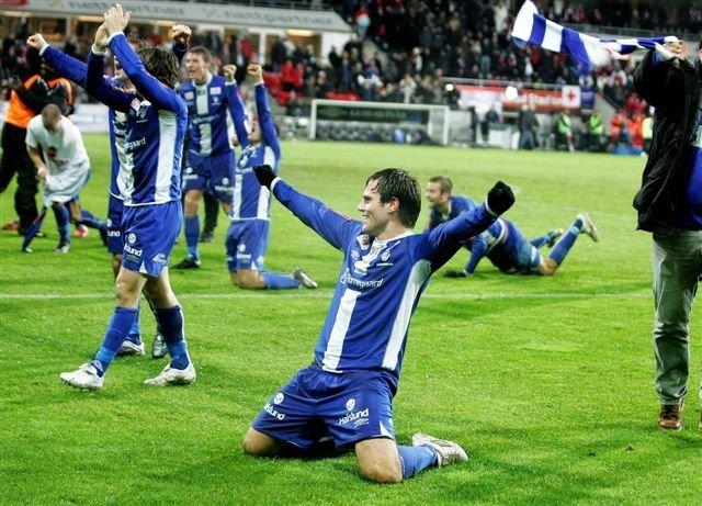DAGEN DET SNUDDE: Martin Wiig sendte Sarpsborg tilbake på fotballkartet med sine to scoringer mot FFK 6. november. Fredrikstad rykket samtidig ned. (Foto: Thomas Andersen)